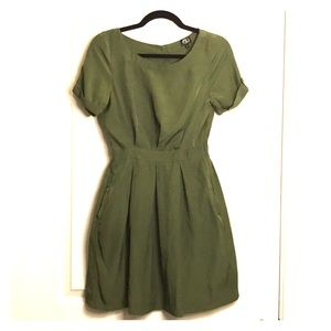 Very J Green Open Back Dress Small Shiny Green